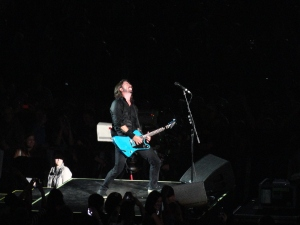 Dave Grohl Rocking!